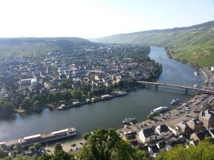 Vista della Mosella, fiume che passa in Germania, Francia e Lussemburgo