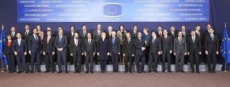 Foto di gruppo del Consiglio europeo del 19-20 dicembre 2013 (fonte: Dipartimento politiche europee, Presidenza del Consiglio dei Ministri)